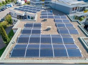 Saulės kolektoriai ant stogo